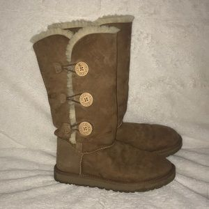 UGG Boots | BAILEY BUTTON TRIPLET II BOOT